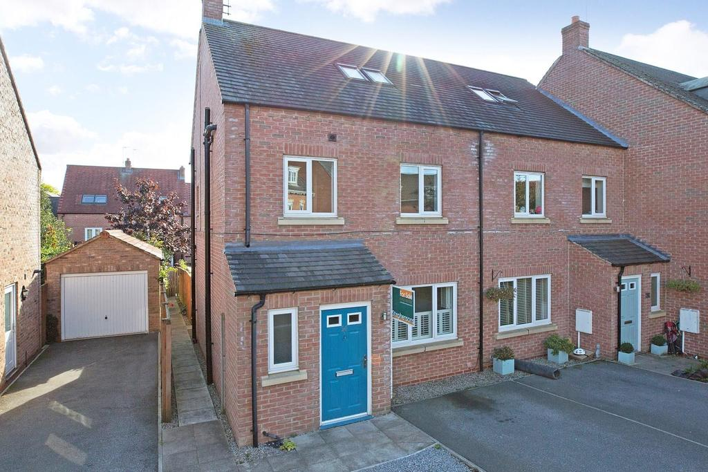 4 Bedrooms House for sale in Florin Drive, Knaresborough
