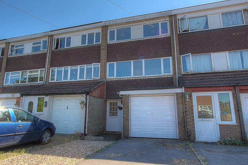 4 Bedrooms Terraced House for sale in Seymour Close, Chandlers Ford