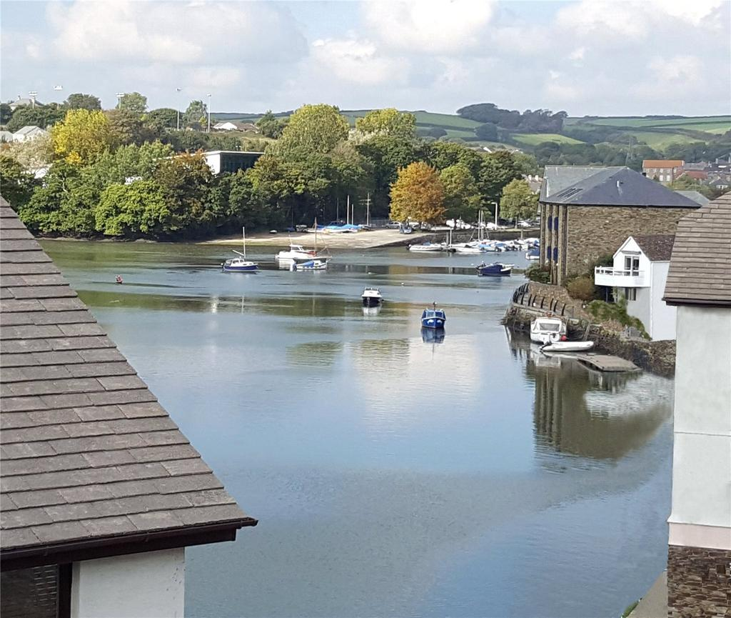 4 Bedrooms Terraced House for sale in Embankment Road, Kingsbridge, Devon