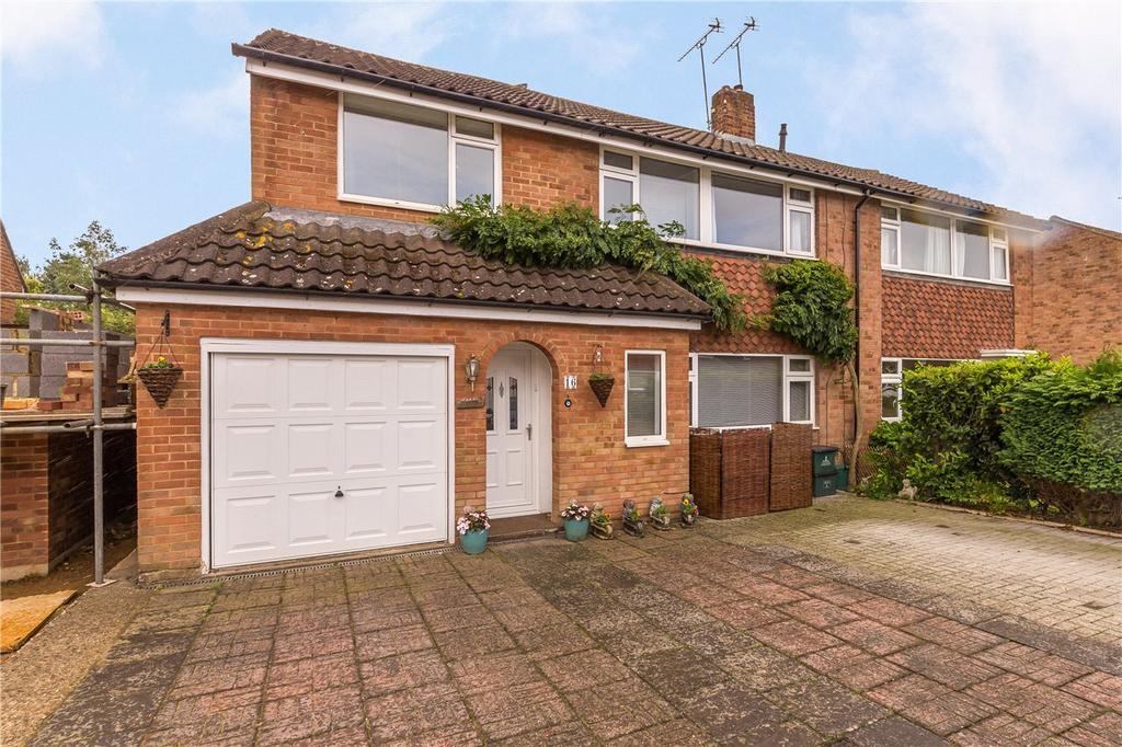 4 Bedrooms Semi Detached House for sale in Morris Way, London Colney, St. Albans, Hertfordshire