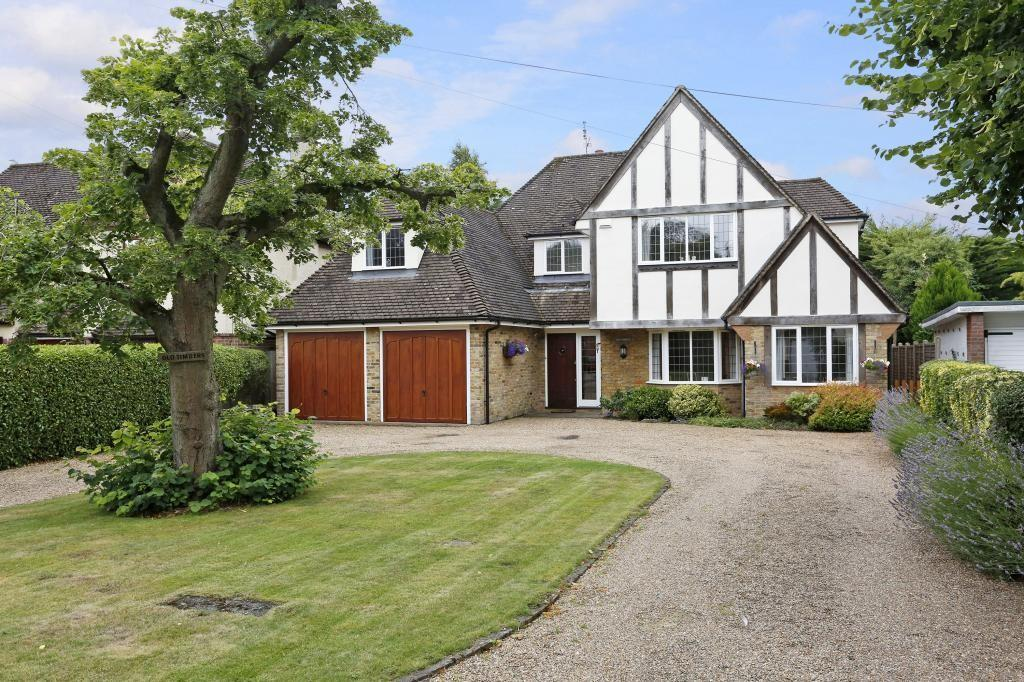5 Bedrooms Detached House for sale in Heronway, Hutton Mount, Hutton, Essex, CM13