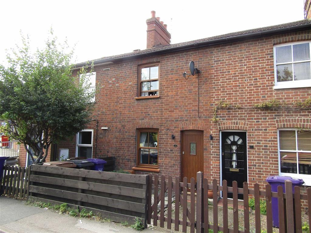 2 Bedrooms Terraced House for sale in Woolgrove Road, Hitchin, SG4