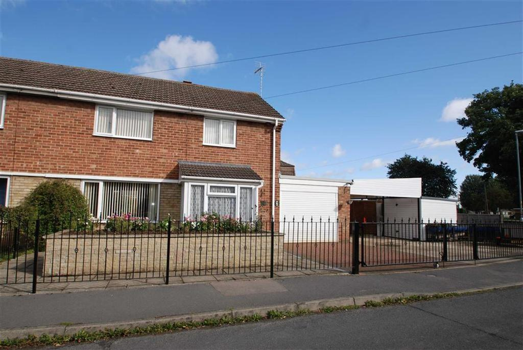 3 Bedrooms Semi Detached House for sale in Dennis Estate, Kirton, Boston