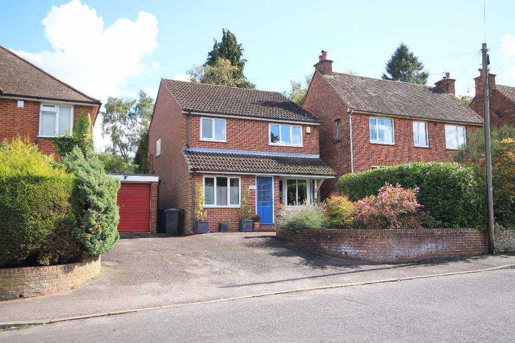 4 Bedrooms Detached House for sale in Sandheath Road, Hindhead