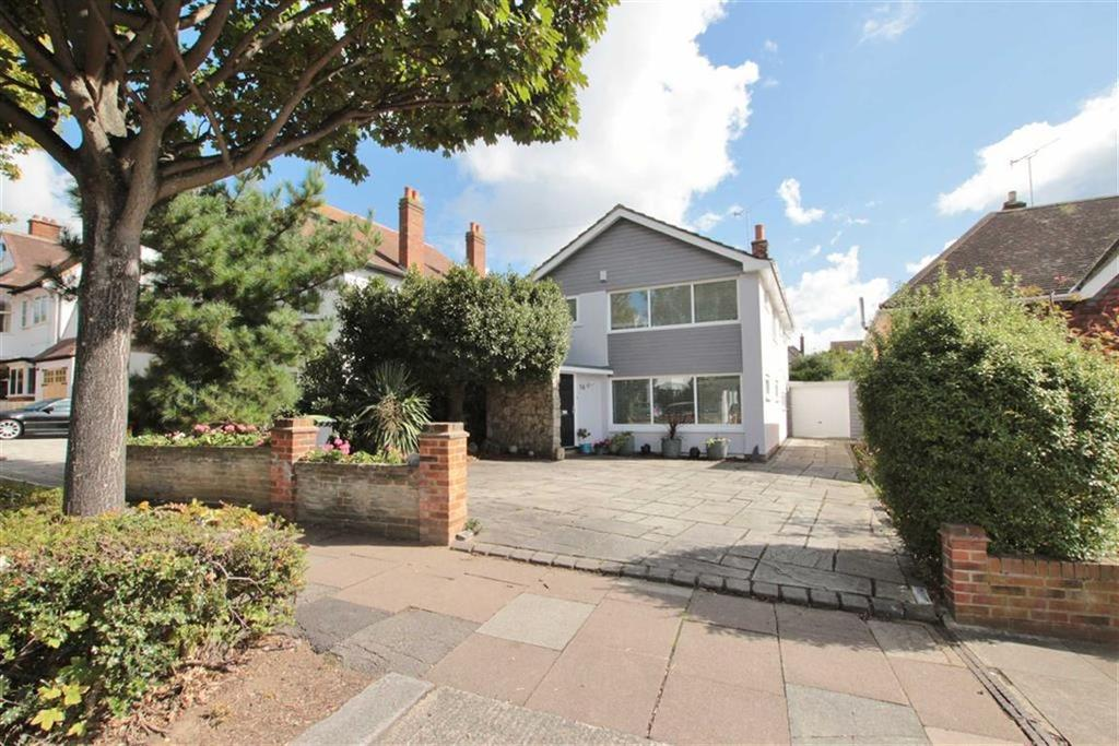 4 Bedrooms Detached House for sale in Chadwick Road, Chalkwell, Essex