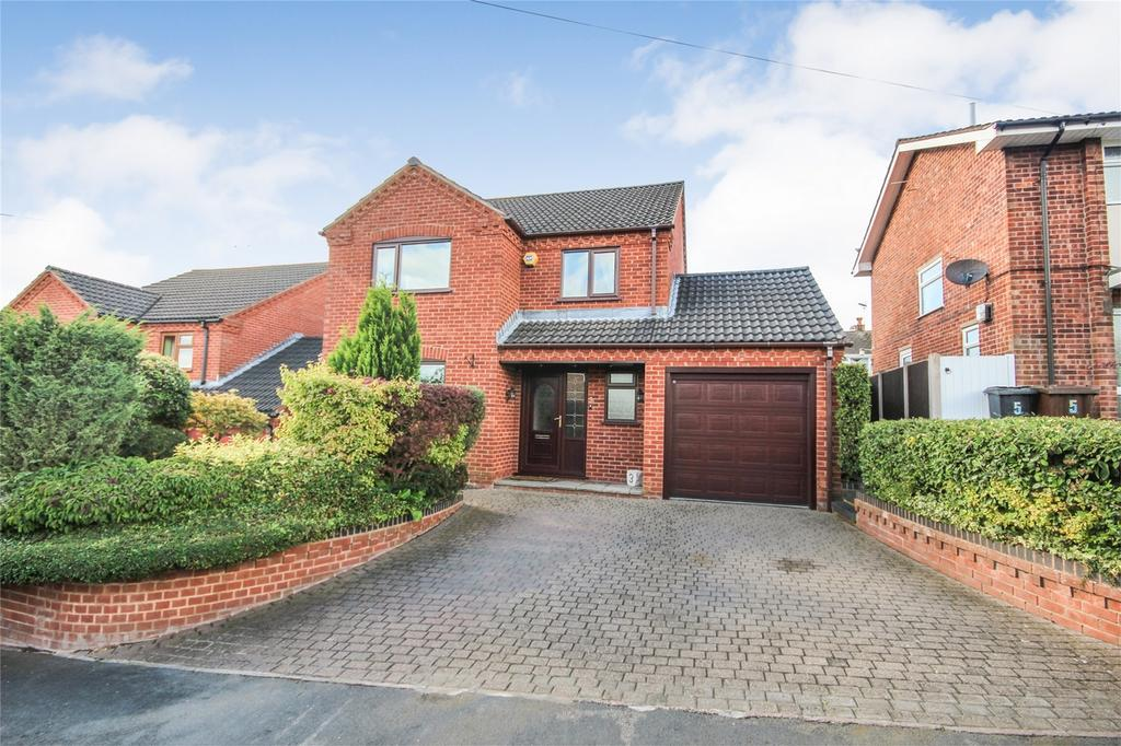 4 Bedrooms Detached House for sale in Aintree Road, Tean, Staffordshire