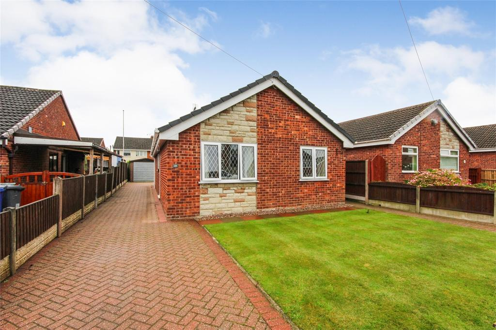 2 Bedrooms Detached Bungalow for sale in Hallam Road, Uttoxeter, Staffordshire