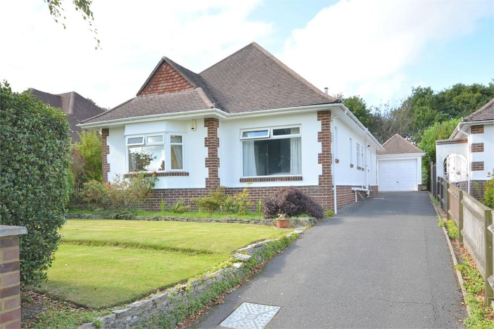 3 Bedrooms Detached Bungalow for sale in Dulsie Road, Talbot Woods, Bournemouth