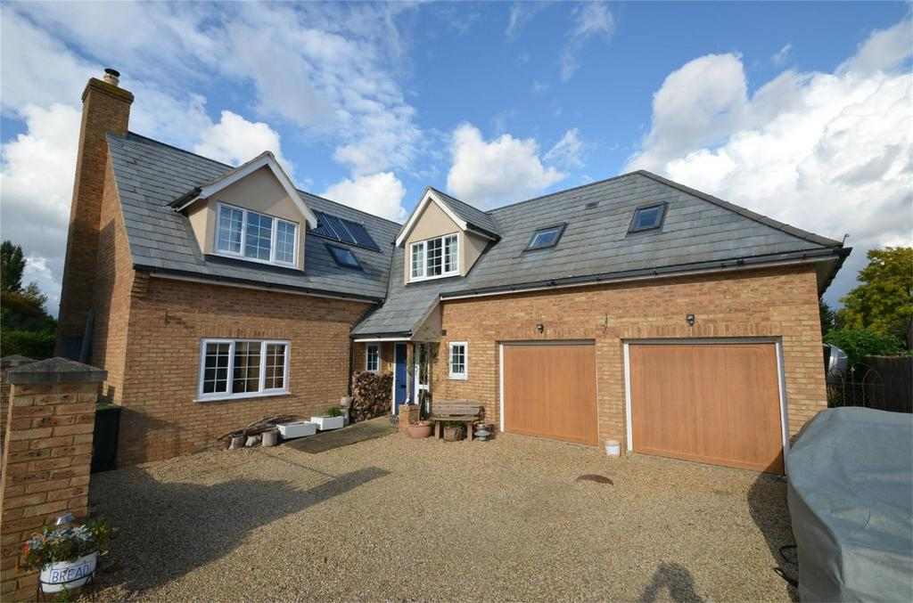 5 Bedrooms Detached House for sale in Shefford Road, CLIFTON, Bedfordshire