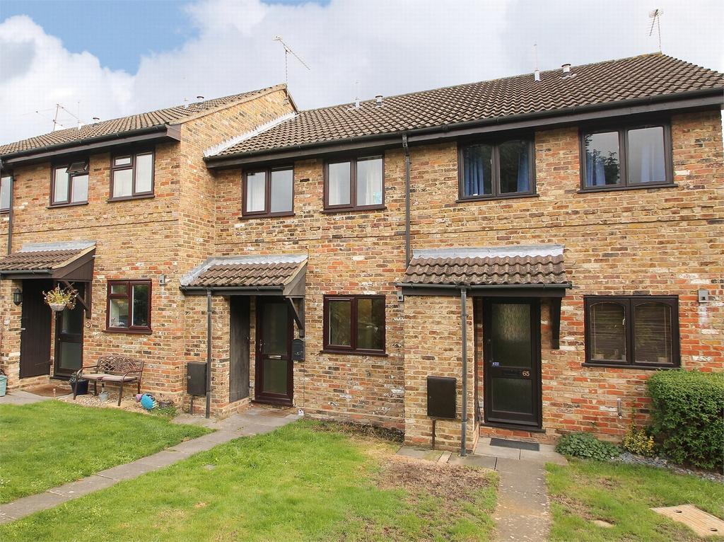 2 Bedrooms Terraced House for sale in LIGHTWATER, Surrey