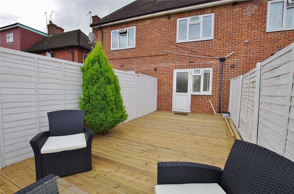 1 Bedroom Maisonette Flat for sale in Gammons Lane, Watford, Hertfordshire, WD24