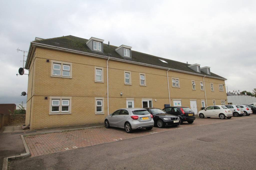 2 Bedrooms Flat for sale in Constance Grove Dartford DA1