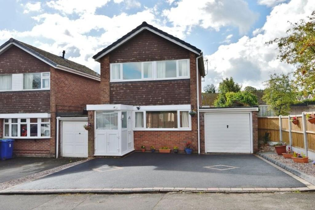 3 Bedrooms Link Detached House for sale in Bilberry Close, Etchinghill