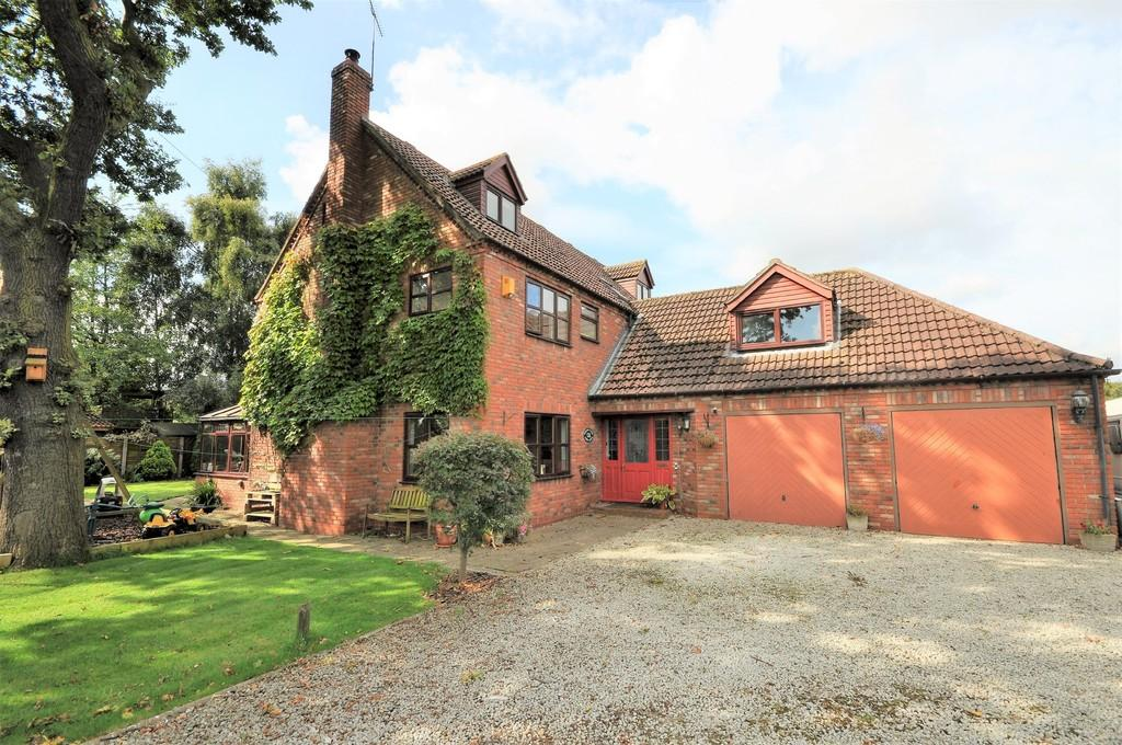 5 Bedrooms Detached House for sale in Park Lane, Barlow