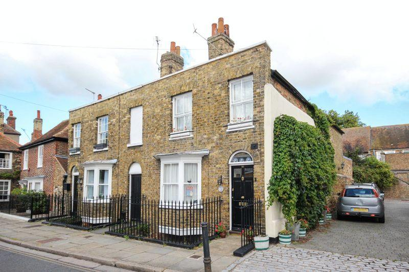 2 Bedrooms Terraced House for sale in Sandwich