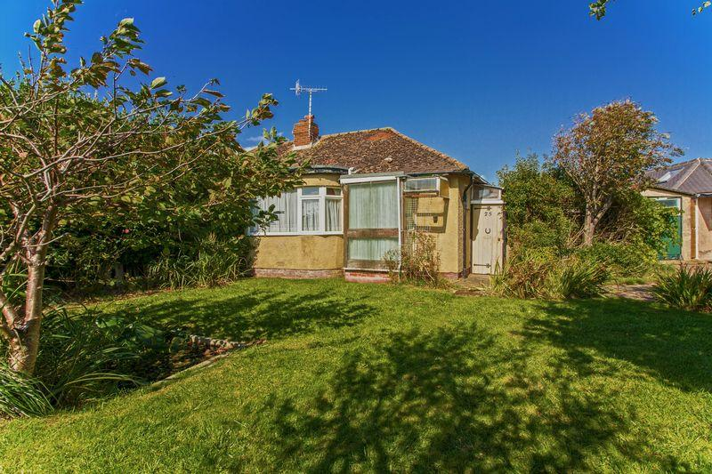 2 Bedrooms Bungalow for sale in Orient Road, Lancing