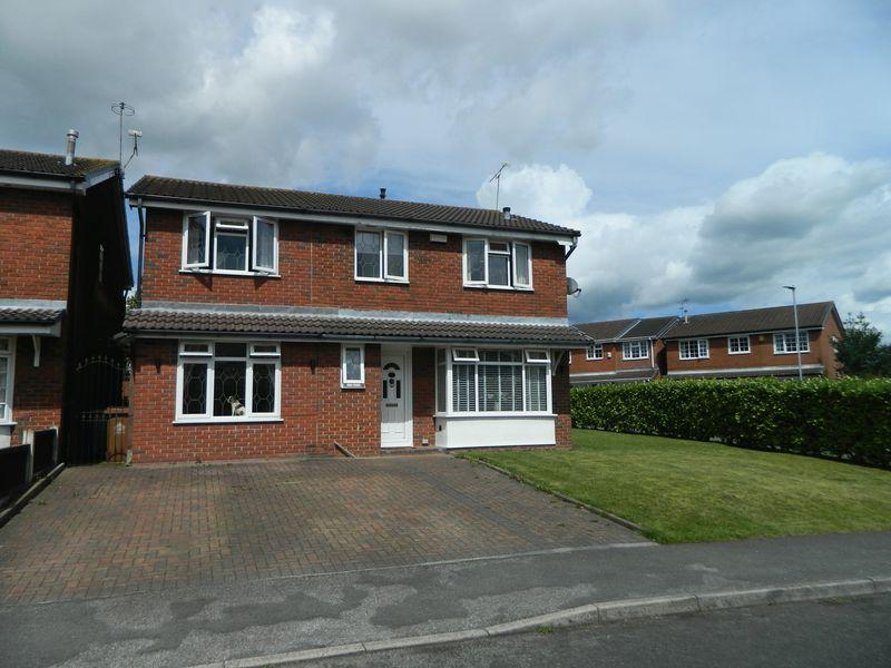 4 Bedrooms Detached House for sale in Mortimer Drive, Sandbach