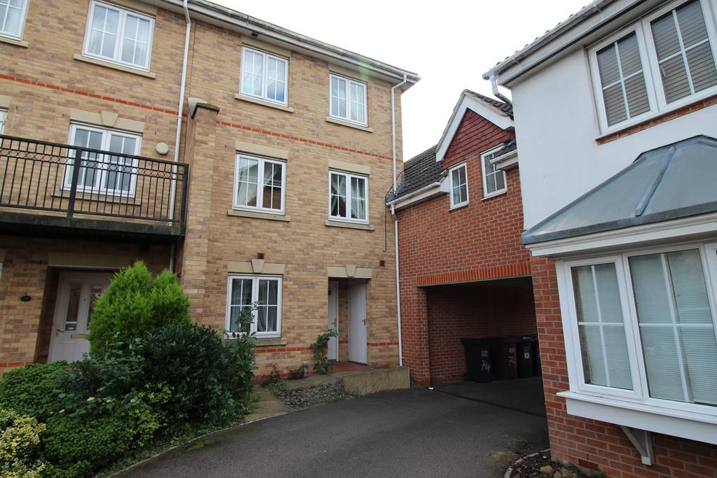 3 Bedrooms Town House for sale in Campion Road, Hatfield, AL10