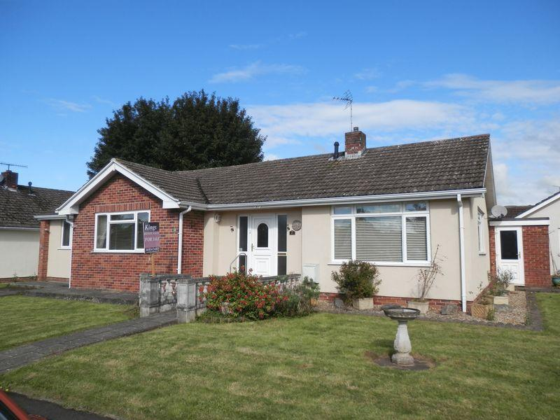 3 Bedrooms Detached Bungalow for sale in Spacious 3 BR Bungalow