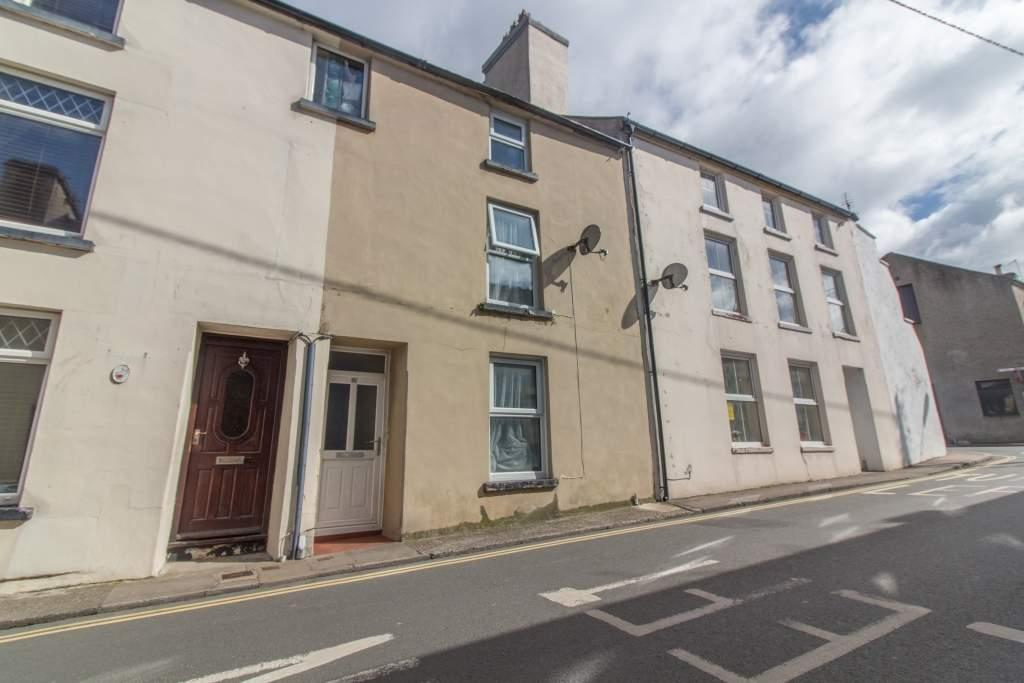 3 Bedrooms Terraced House for sale in 57 Douglas Street, Peel, IM5 1BD