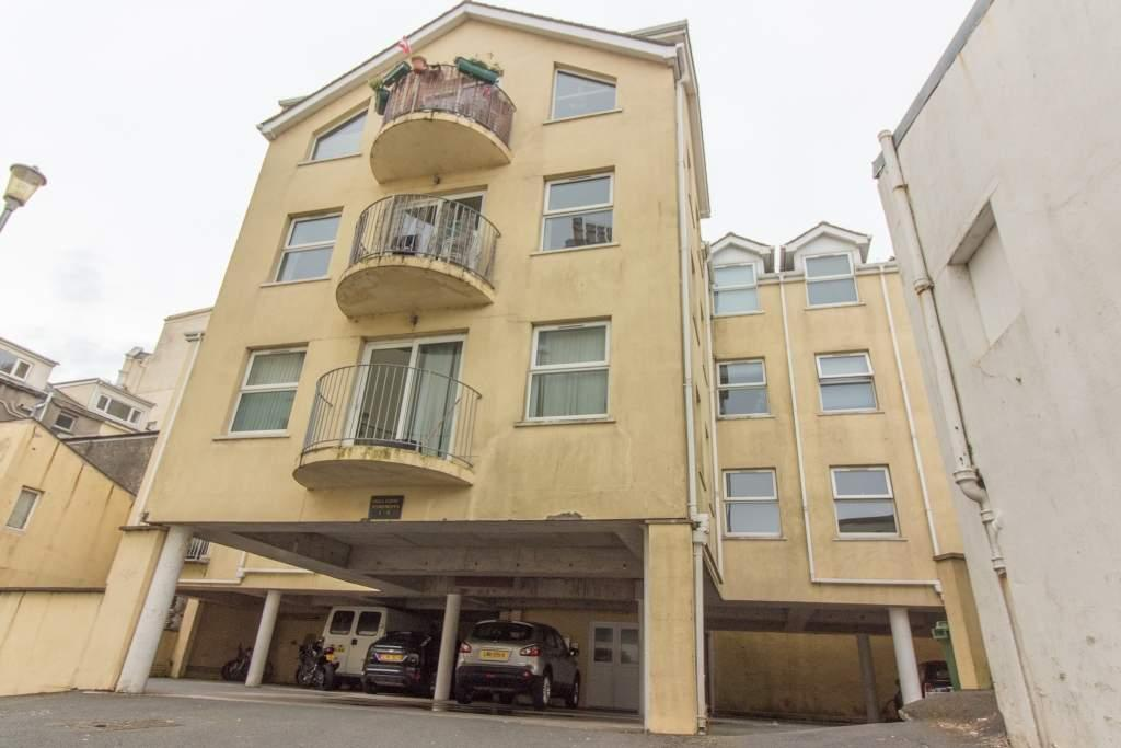 2 Bedrooms Apartment Flat for sale in Apartment 3, Villa Court, Douglas, IM2 4EA