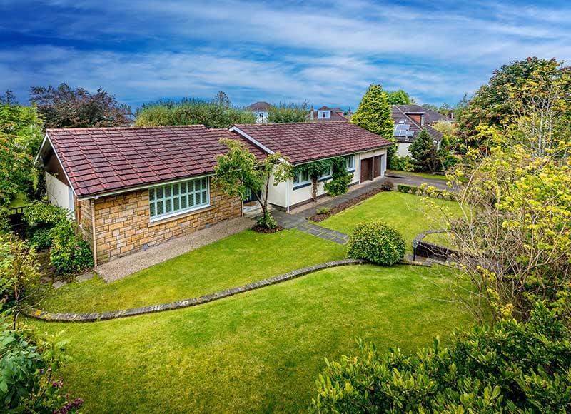 3 Bedrooms Detached Bungalow for sale in 4 Greenwood Drive, Bearsden, G61 2HA