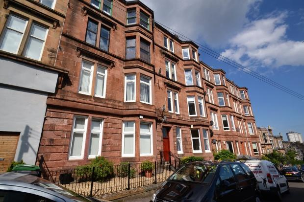 2 Bedrooms Flat for sale in Overdale Street, Langside, G42