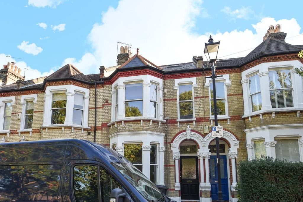 2 Bedrooms Flat for sale in Holmewood Gardens, Brixton Hill