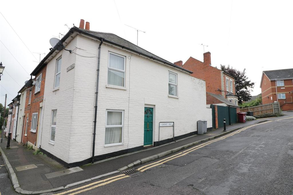 2 Bedrooms End Of Terrace House for sale in Field Road, Reading