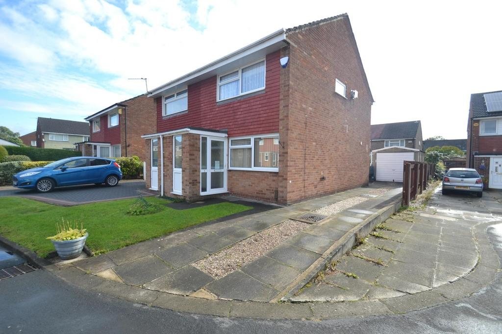 2 Bedrooms Semi Detached House for sale in Saint Andrews Close, Sale