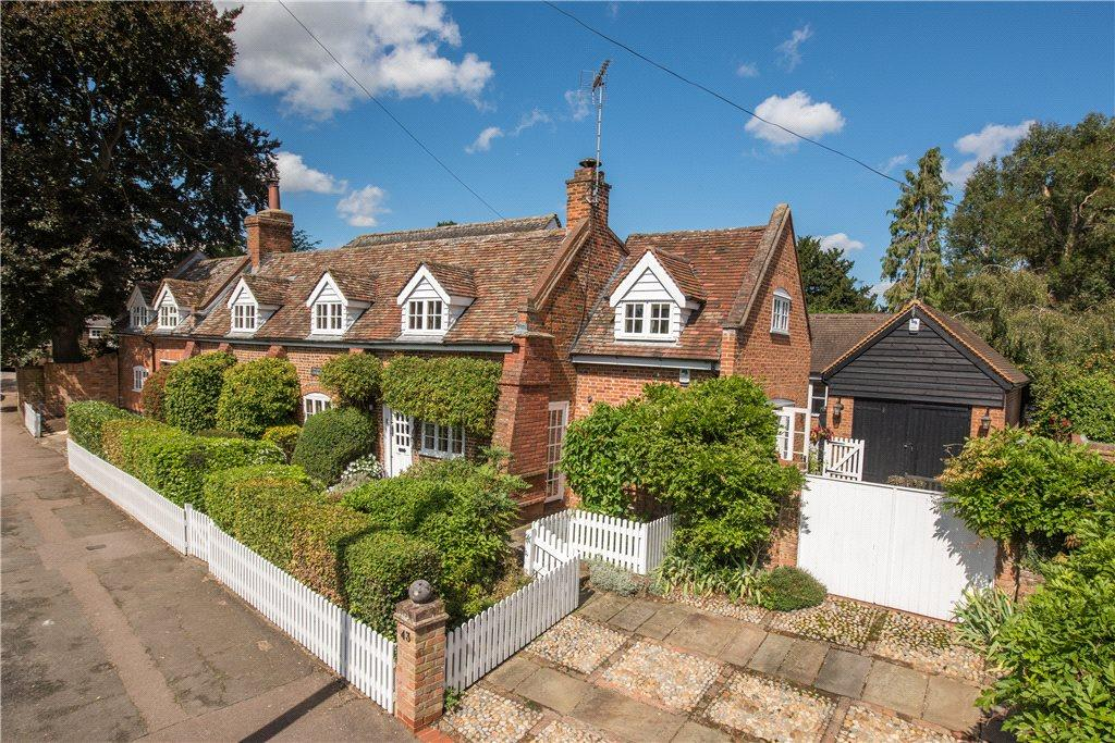 5 Bedrooms Unique Property for sale in High Street, Codicote, Hertfordshire