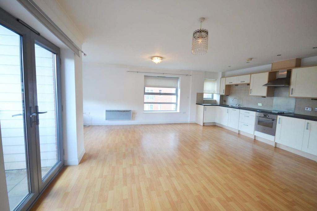 2 Bedrooms Apartment Flat for sale in Rotary Way, Colchester, Essex, CO3
