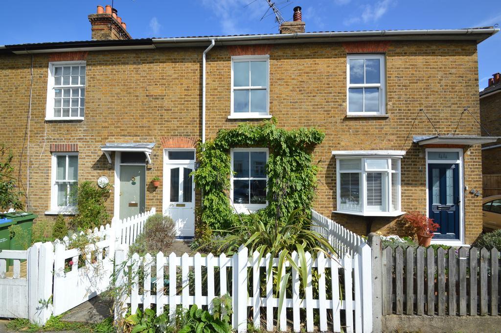 3 Bedrooms Cottage House for sale in Thames Street, WALTON ON THAMES KT12