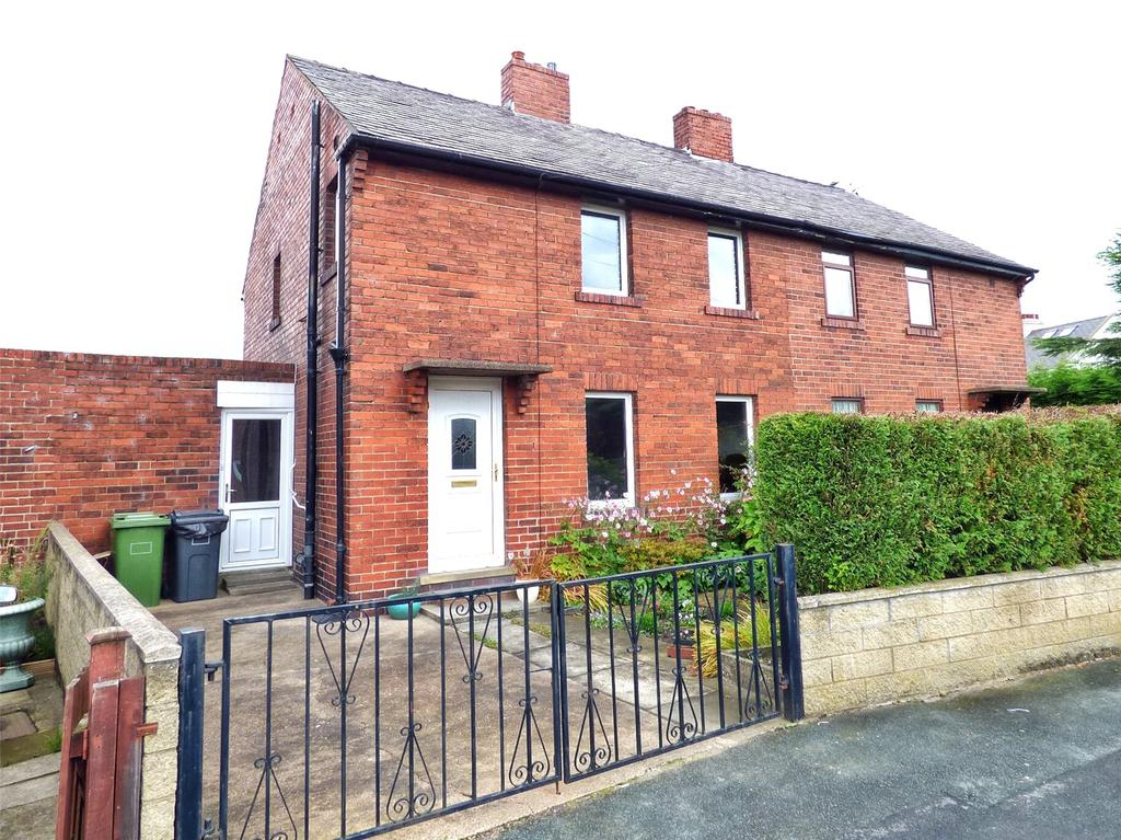 3 Bedrooms Semi Detached House for sale in Westerley Way, Shelley, Huddersfield, West Yorkshire, HD8