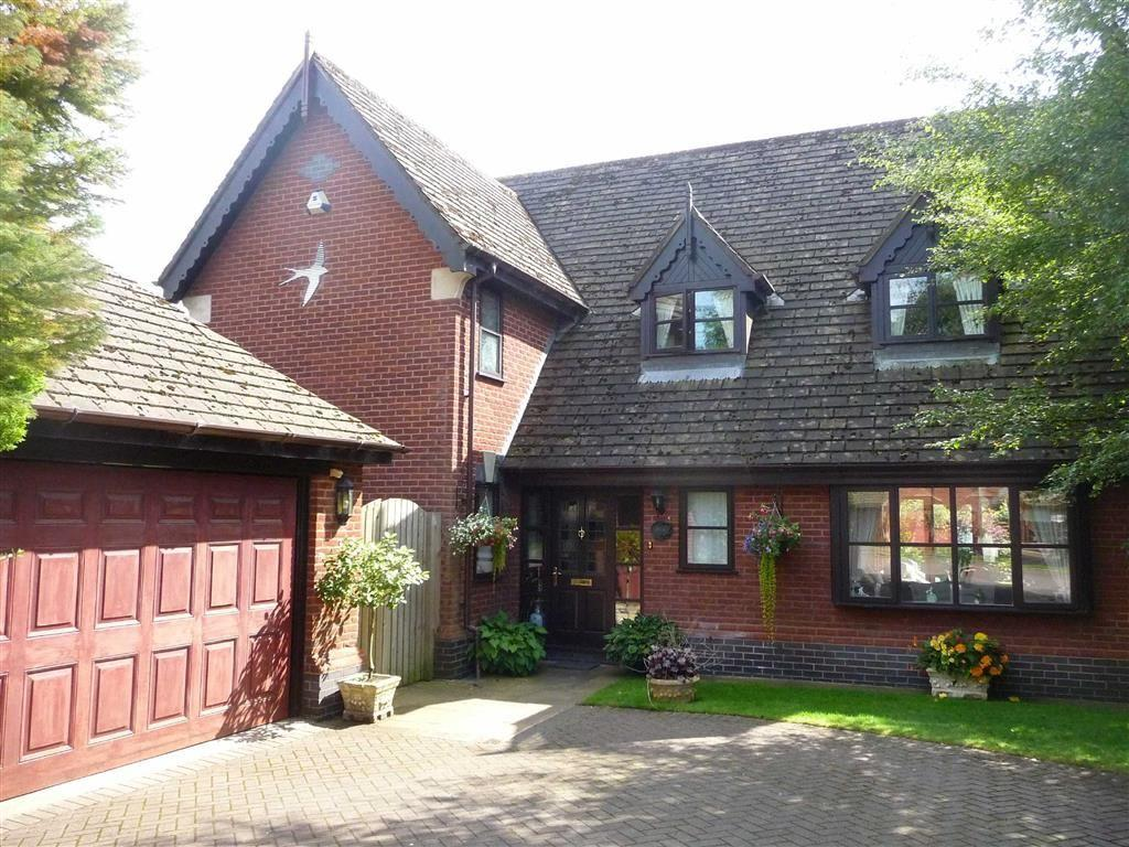 4 Bedrooms Detached House for sale in Priory Close, Pleasington, BB2