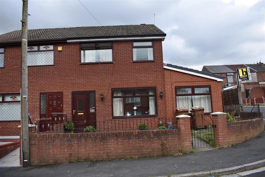 4 Bedrooms Semi Detached House for sale in Weaver Grove, St. Helens