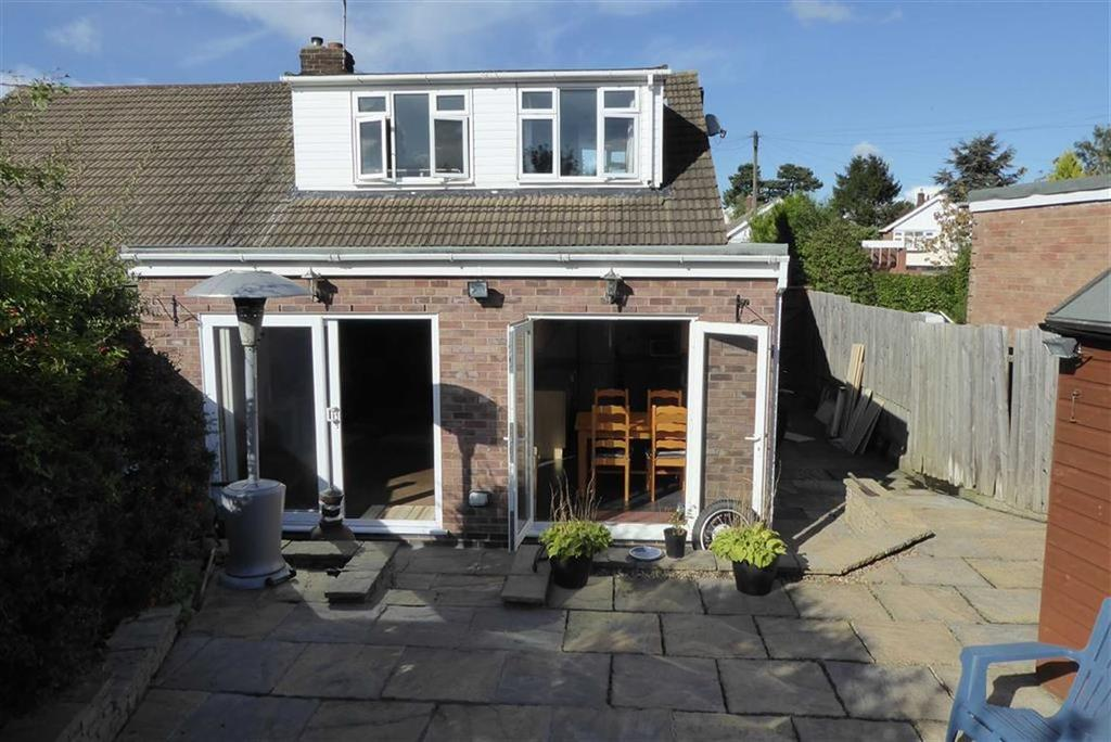 3 Bedrooms Semi Detached House for sale in Fairestone Avenue, Glenfield