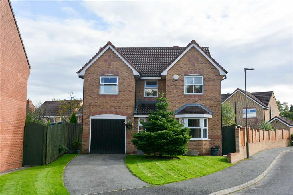 4 Bedrooms Detached House for sale in Lordy Close, Standish, Wigan, WN6