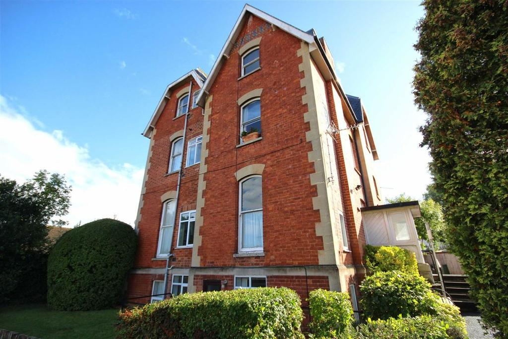 1 Bedroom Flat for sale in Hayes Road, Pittville, Cheltenham, GL52