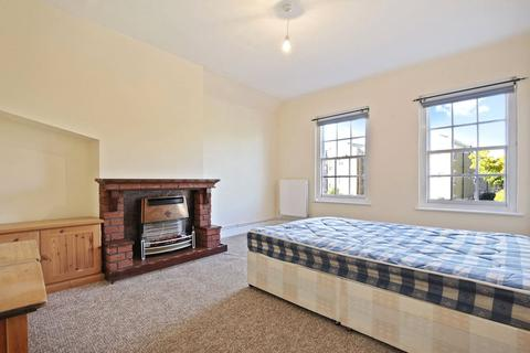 2 bedroom apartment to rent - Mile End Road, Stepney Green, E1