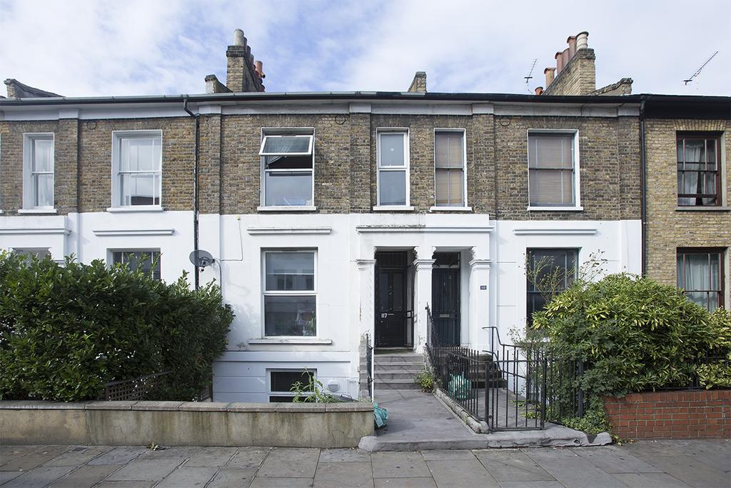 1 Bedroom Flat for sale in Ridley Road, Hackney, London E8