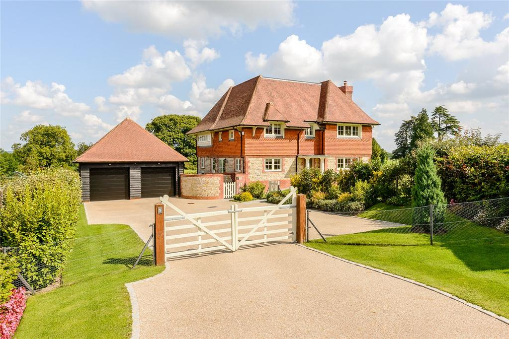 4 Bedrooms Detached House for sale in Wallace Square, Lavington Park, Petworth, West Sussex