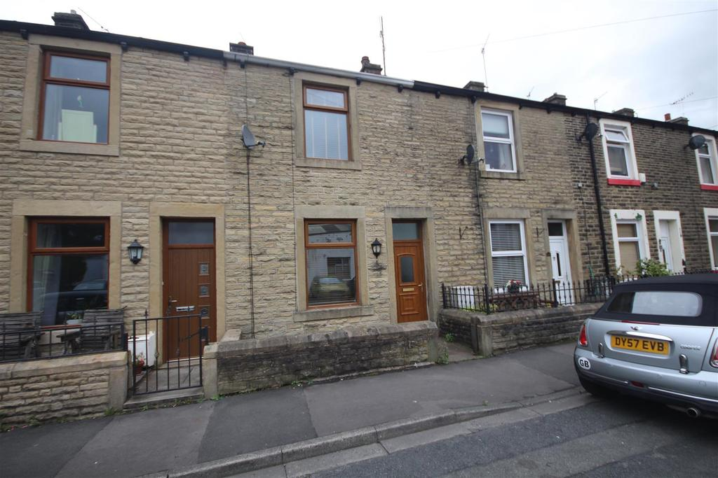 2 Bedrooms Terraced House for sale in 25 Station Road, Foulridge