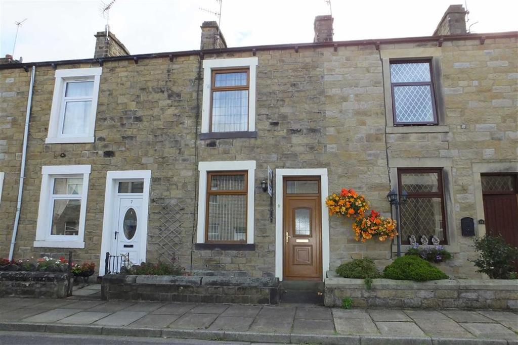 2 Bedrooms Terraced House for sale in John Street, Earby, Lancashire, BB18
