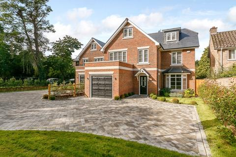 5 bedroom detached house for sale - Weybridge