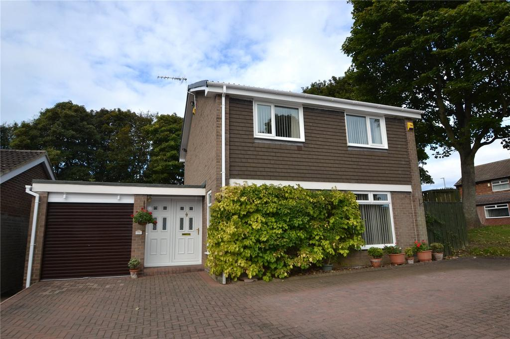 4 Bedrooms Detached House for sale in Montfalcon Close, Peterlee, Co.Durham, SR8