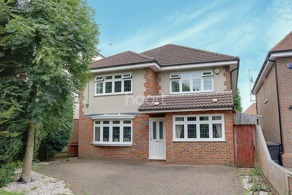 4 Bedrooms Detached House for sale in Red Road, Borehamwood