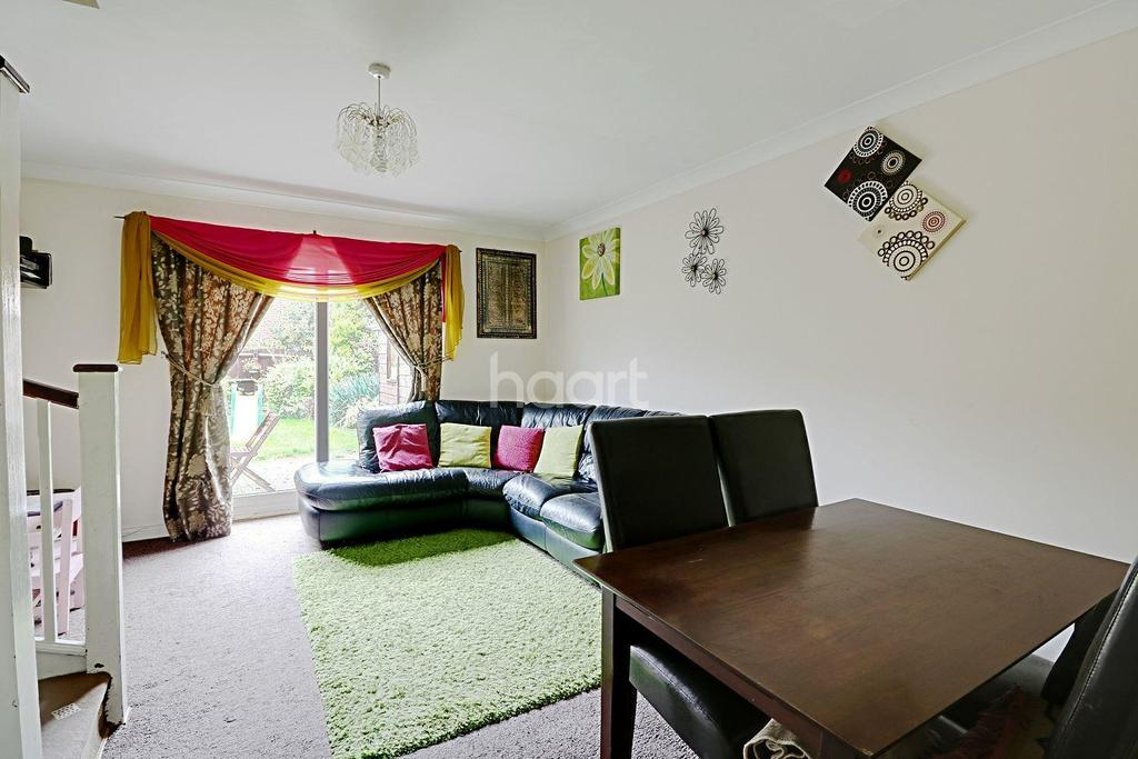 2 Bedrooms Terraced House for sale in Villiers Close, LU4