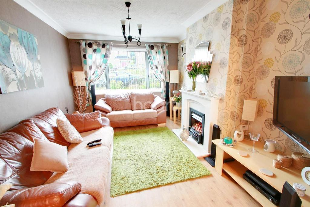 3 Bedrooms Semi Detached House for sale in Arlington Close, Malpas, Newport