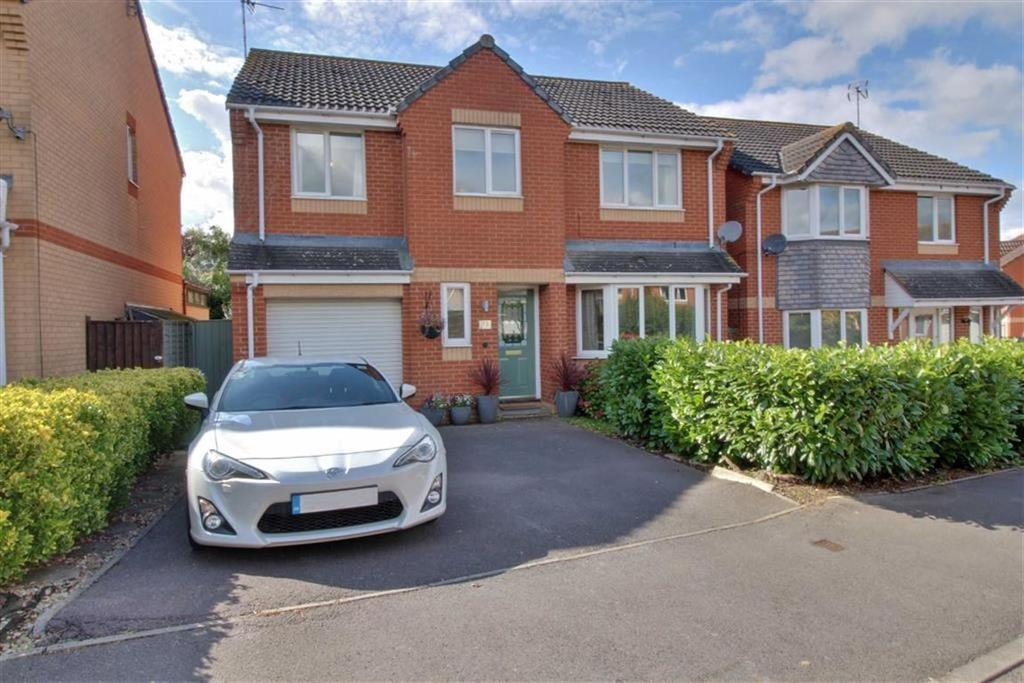 5 Bedrooms Detached House for sale in Arrowsmith Drive, Stonehouse, Gloucestershire